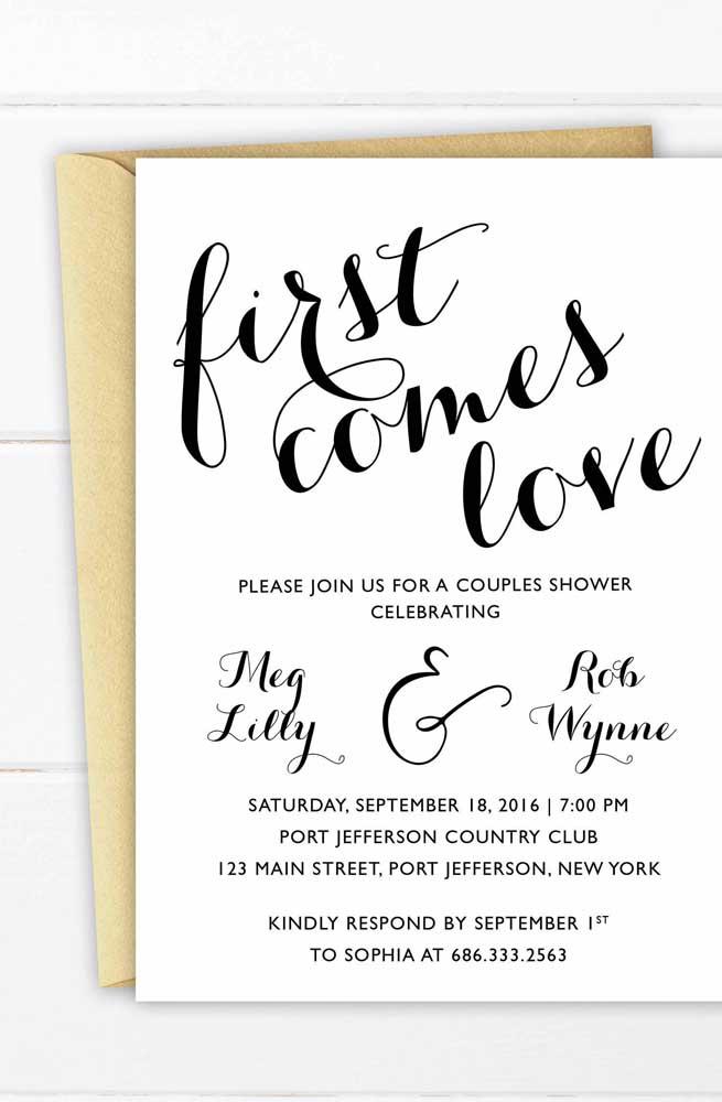 Que tal você mesmo fazer seu convite de noivado? Pegue um modelo na internet e só troque as informações.