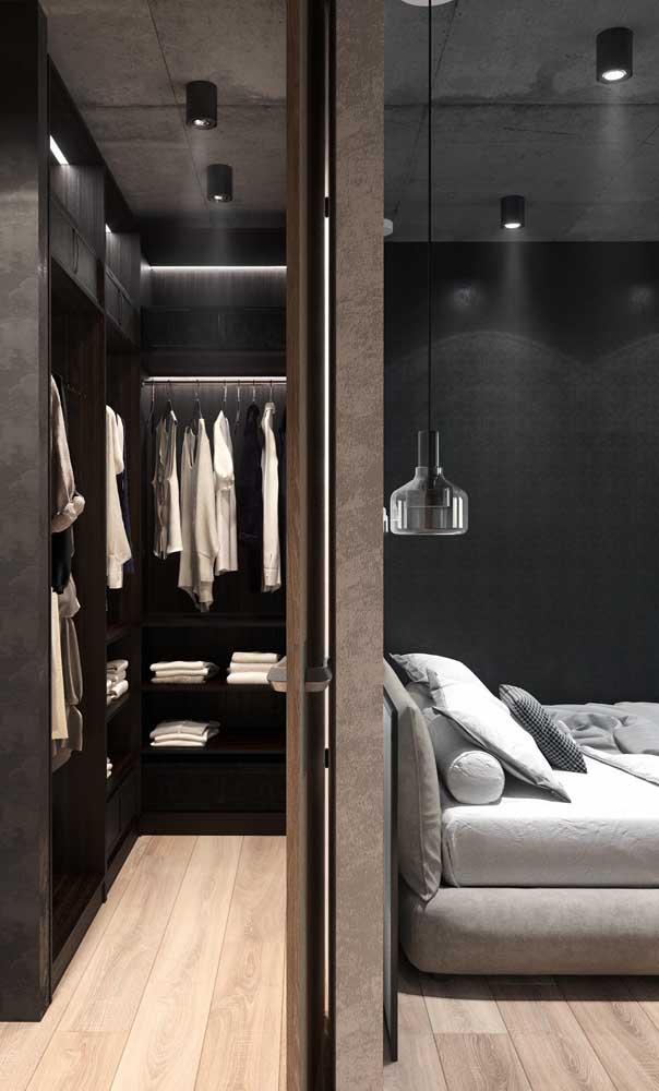 Lindo de viver esse closet com armários pretos
