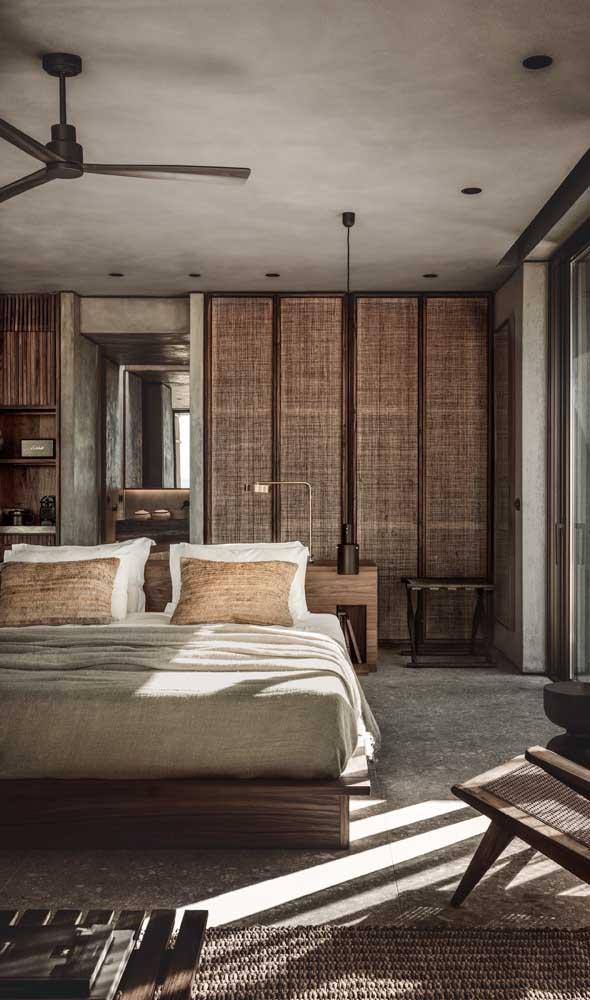 O charme rústico moderno de um quarto de casal com closet