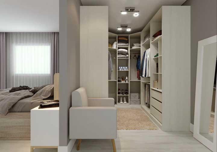 Os móveis planejados são a melhor saída para quem deseja um closet bem organizado e distribuído