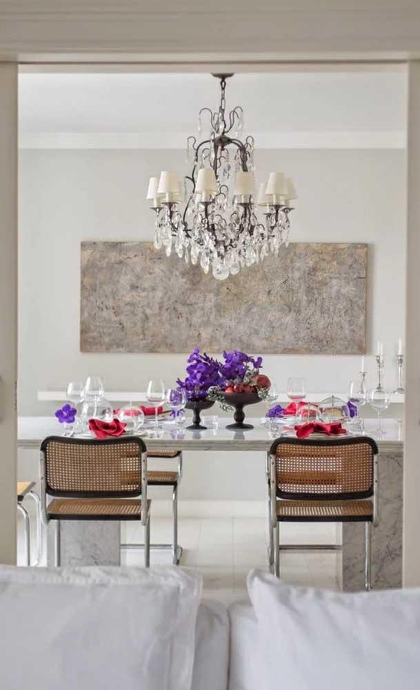 Lustre candelabro de oito braços para preencher o espaço sobre a mesa de jantar, perfeito!