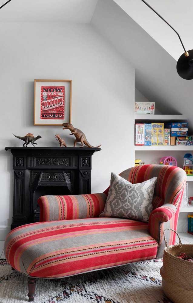 O que acha de uma chaise longue colorida? A cara de uma decor boho