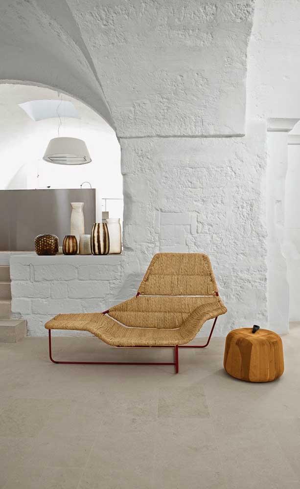 Fibras naturais dão o tom dessa chaise longue de design inovador