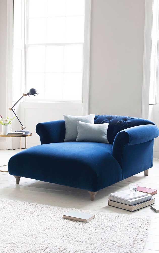 Chaise longue de dois lugares: conforto e estilo dobrado no ambiente