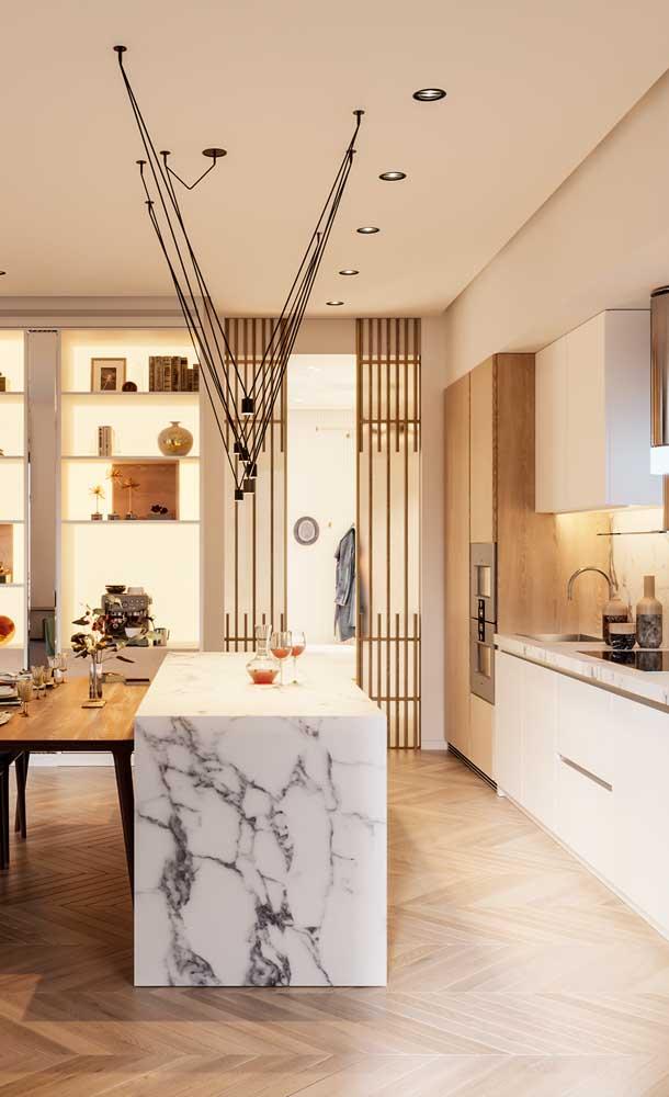 Uma ilha de mármore deixa qualquer cozinha mais sofisticada