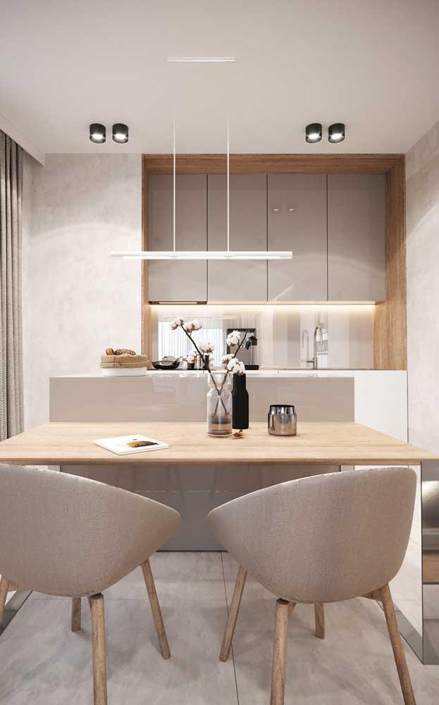 Branco e madeira clara: a combinação que sempre dá certo!