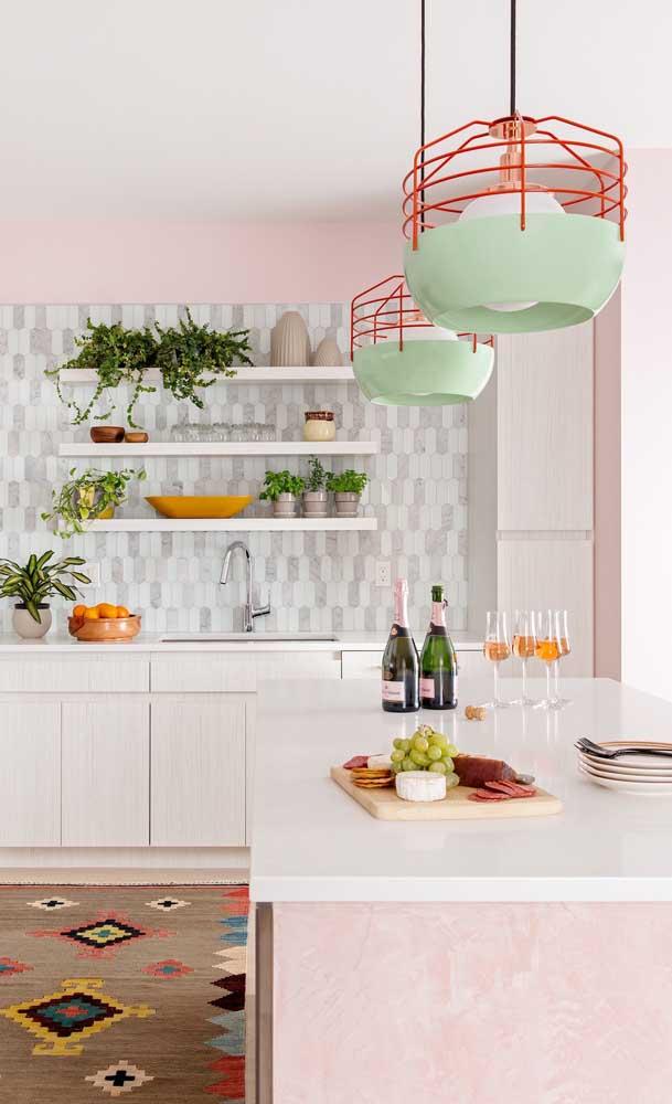 Um pouco de cor e vida na cozinha americana não faz mal a ninguém