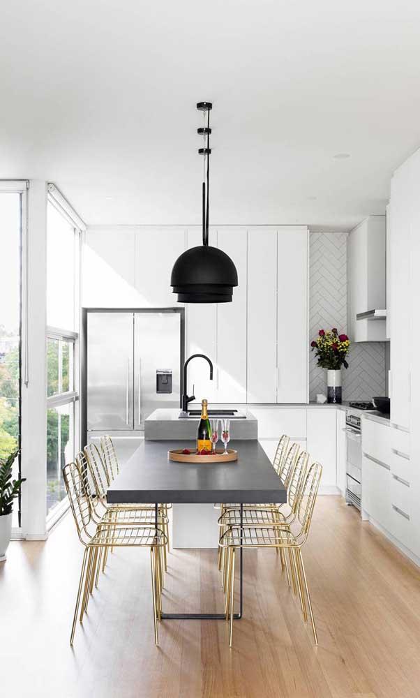 Dê uma atenção especial as cadeiras da sua cozinha americana planejada
