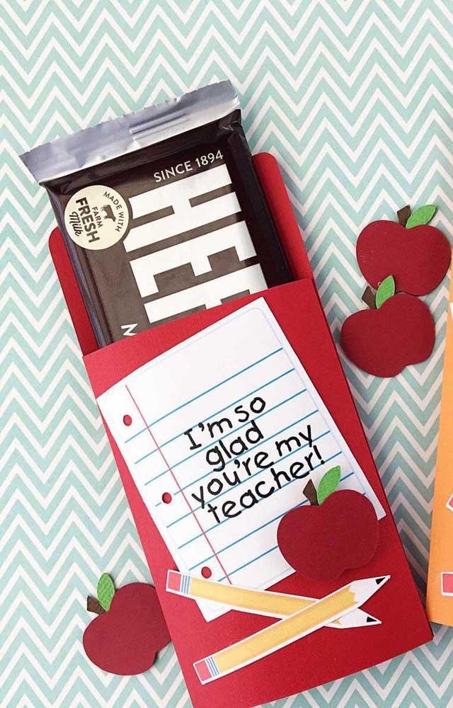 Lembrancinha para o dia dos professores feita de chocolate! Essa é irresistível