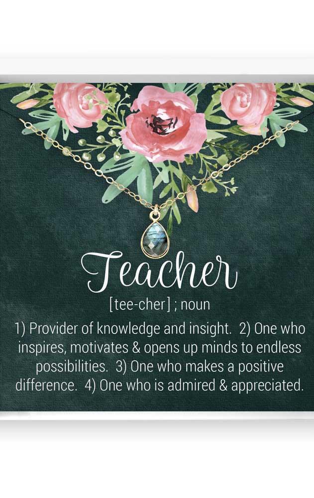 Agora se a ideia é impressionar, dê uma gargantilha como lembrancinha de dia dos professores