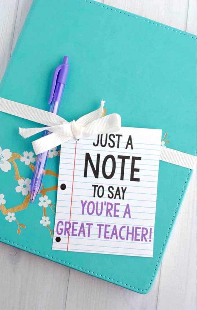 Bloquinho de anotações com um recadinho especial para o professor