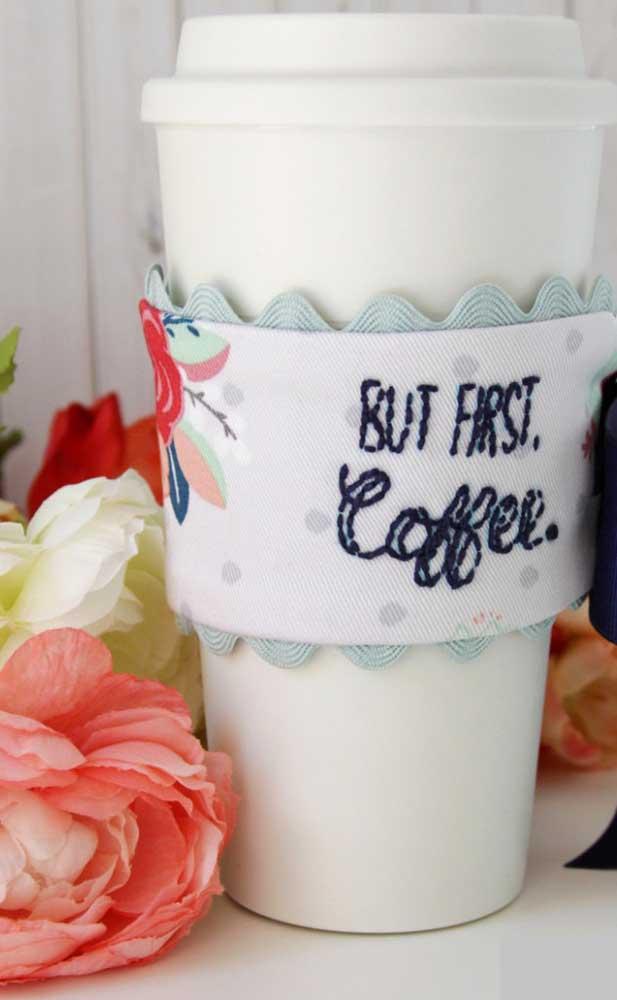 Protetor de copos para o seu professor tomar o café sempre quentinho