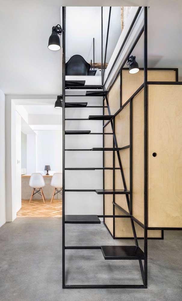 Esse modelo de escada é super inspirador e perfeito para quem deseja uma escada criativa, inovadora e bem diferente