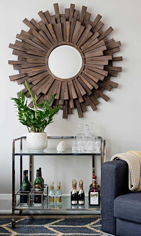 Carrinho bar cromado com prateleiras de vidro: moderno e elegante