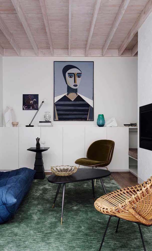 Um pouco de arte e design não faz mal para ninguém, muito menos para a sala pequena