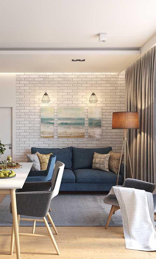 Sala de estar pequena com mesa de jantar: integração é a solução para pequenos espaços