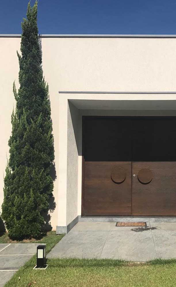 A Kaizuka traz porte e elegância para entrada da casa