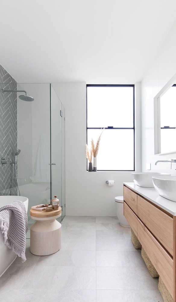 Vitrô de alumínio preto para o banheiro: design moderno e atual