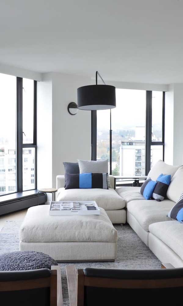 Janela de alumínio preto para a sala de estar do apartamento