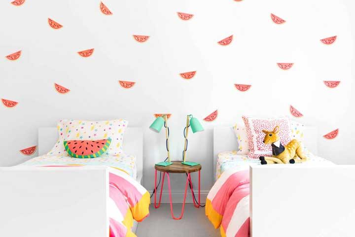 O que acha de uma decor bem tropical para o quarto dos gêmeos?