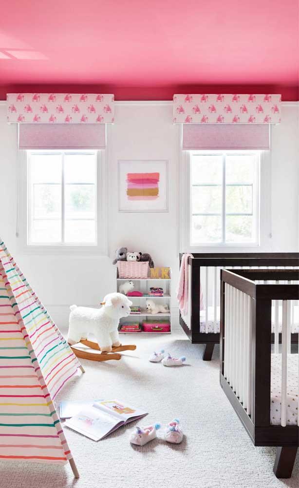 Decoração cor de rosa bem moderninha para o quarto de meninas