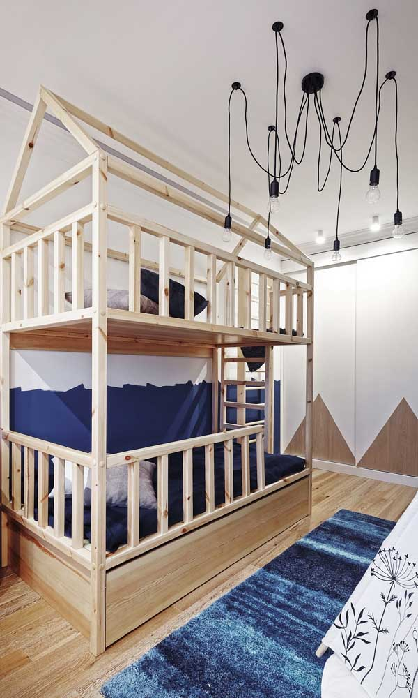 Quarto de gêmeos com cama beliche: solução lúdica e otimizada