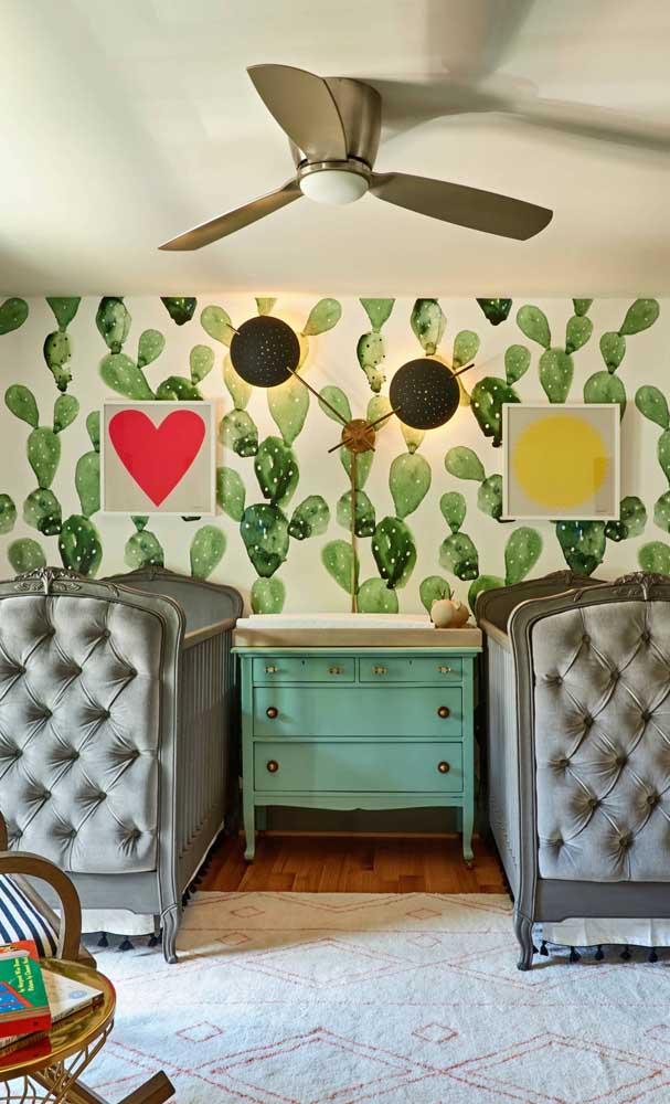 Móveis de estilo retrô marcam a decoração desse quarto de gêmeos super original