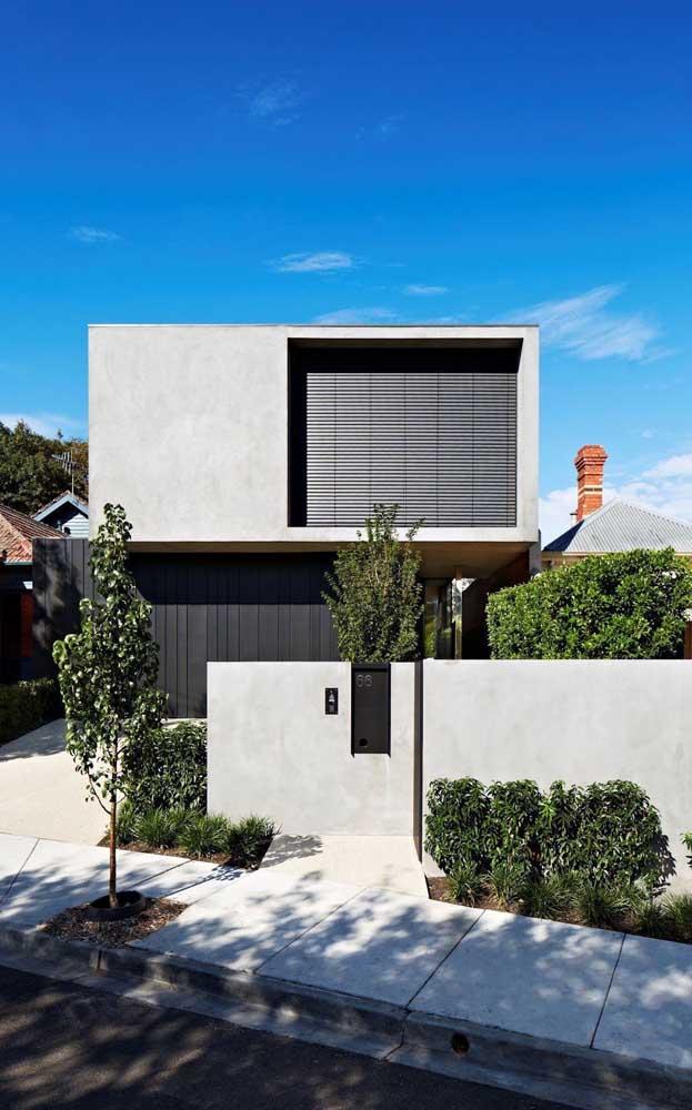 Muro moderno de alvenaria com pintura cinza: opção simples, bonita e barata para a fachada