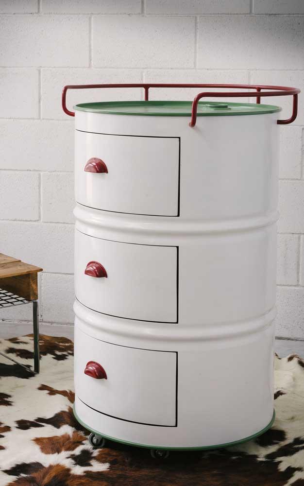 Que tal inserir umas portinhas no tonel e deixá-las com cara de gaveta?