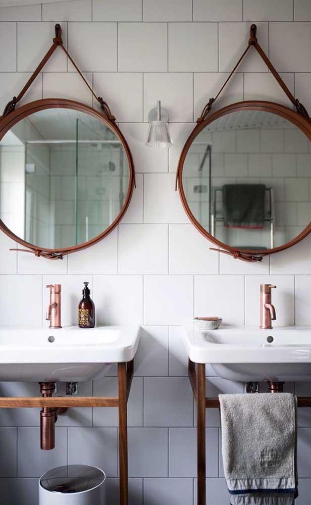 Dupla de espelhos Adnet marrom para o banheiro do casal