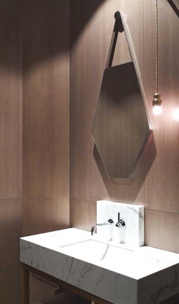 Espelho Adnet em formato hexagonal: uma nova cara para a peça