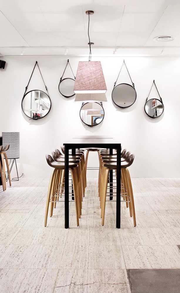 Que tal uma sala de jantar repleta de Adnet?