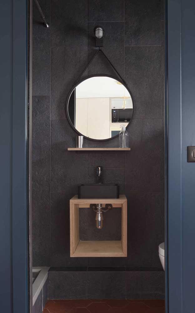 Super moderno, esse espelho Adnet preto era o que faltava na decoração do banheiro