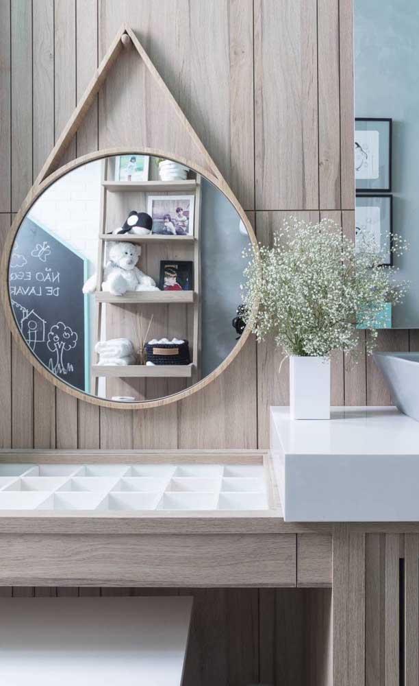 Espelho Adnet com moldura de madeira ao invés de couro