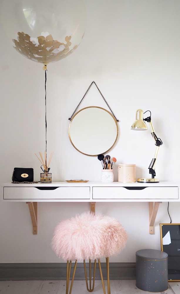 Espelho Adnet dourado para uma decor glamorosa