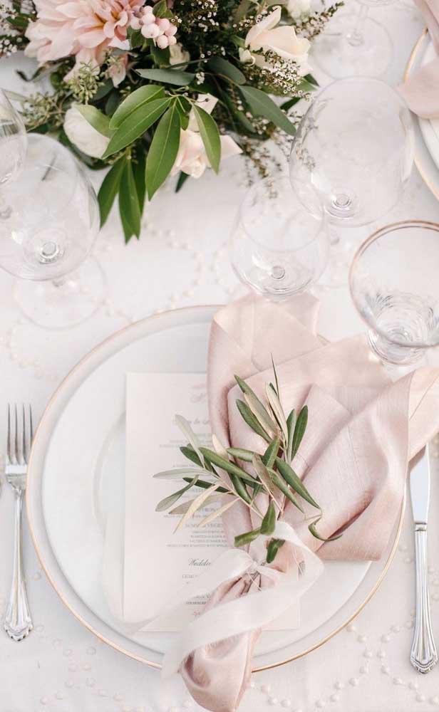 Mesa posta elegante para a festa de bodas de pérola