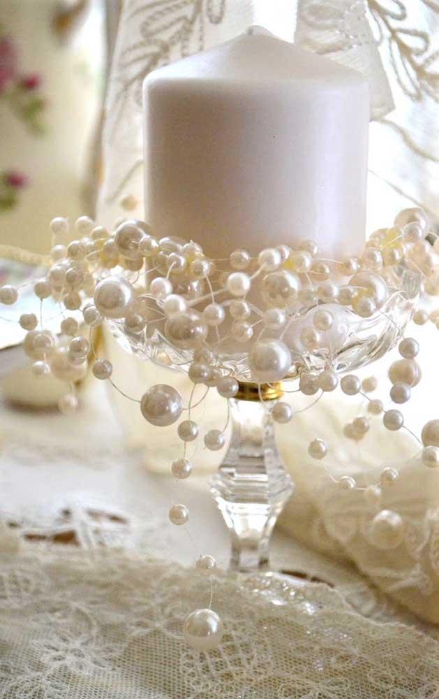 Pérolas e renda formam a combinação perfeita para festas românticas e delicadas