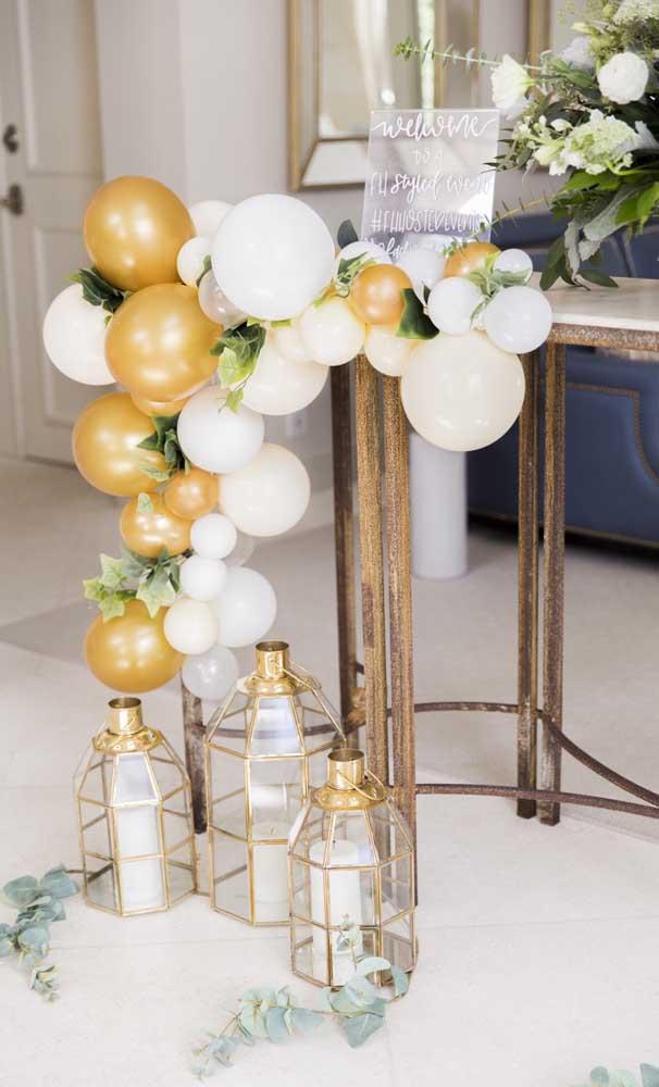 Sugestão de decoração para a entrada da festa de bodas de pérola