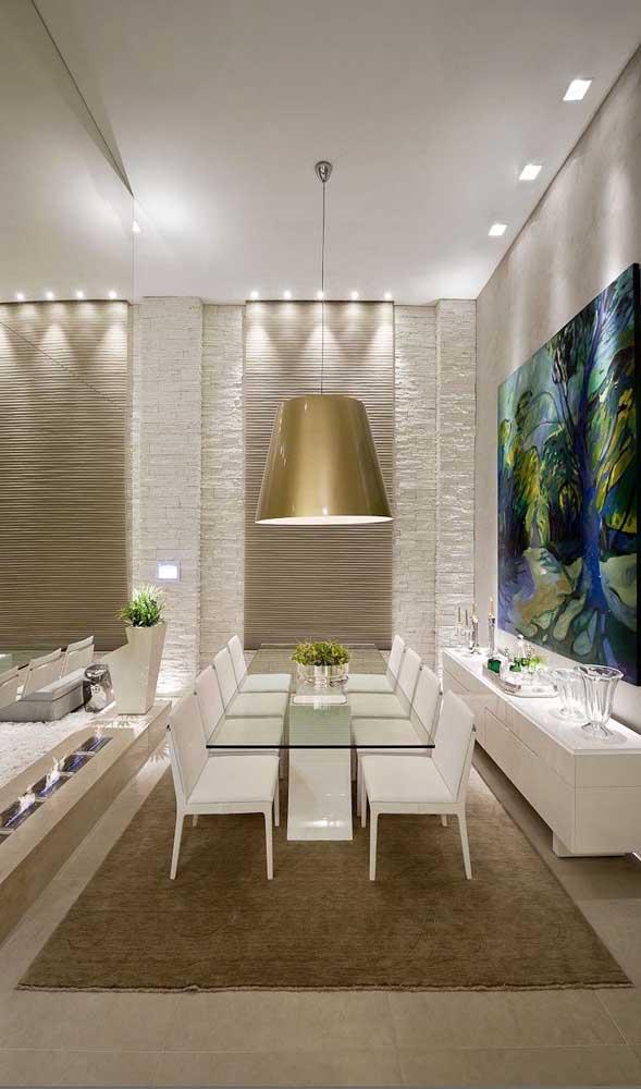 Modelo clássico de mesa de jantar de vidro, ideal para decorações elegantes e sofisticadas