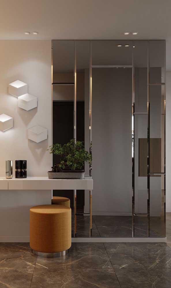 Iluminação suave e espelhos: uma dupla imbatível!