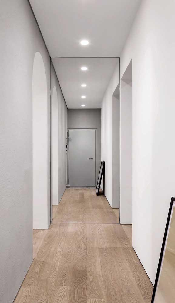 Inspiração minimalista de espelho grande