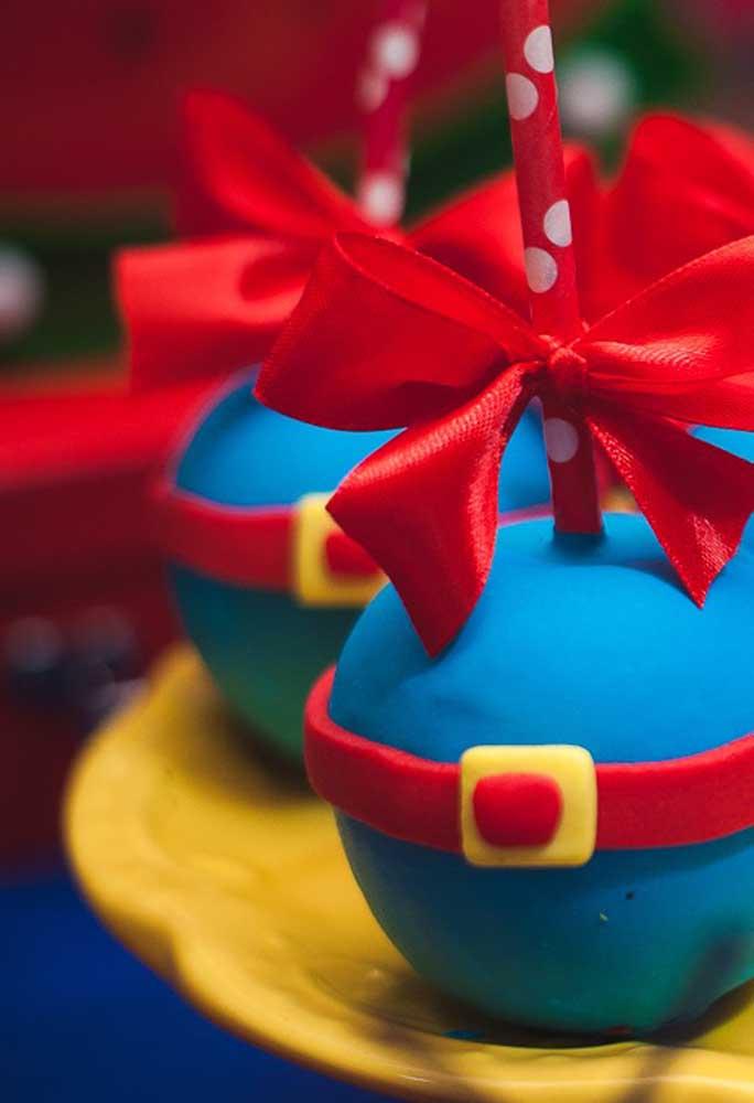 Olha que cake pop mais fofo para a festa Show da Luna.