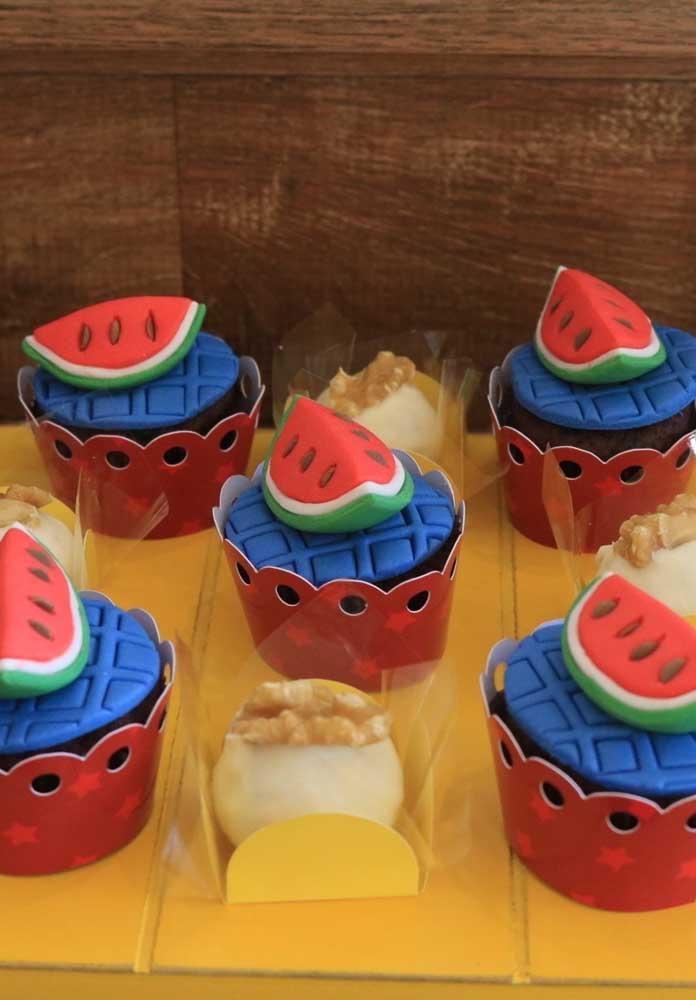 O cupcake Show da Luna precisa ser inspirado nos principais elementos do tema.