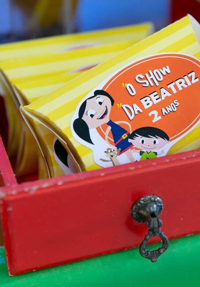 Embalagens simples de lembrancinhas podem ser encontradas em lojas de festas especializadas.