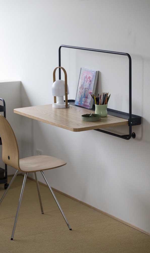 Escrivaninha suspensa dobrável: solução perfeita para os pequenos espaços