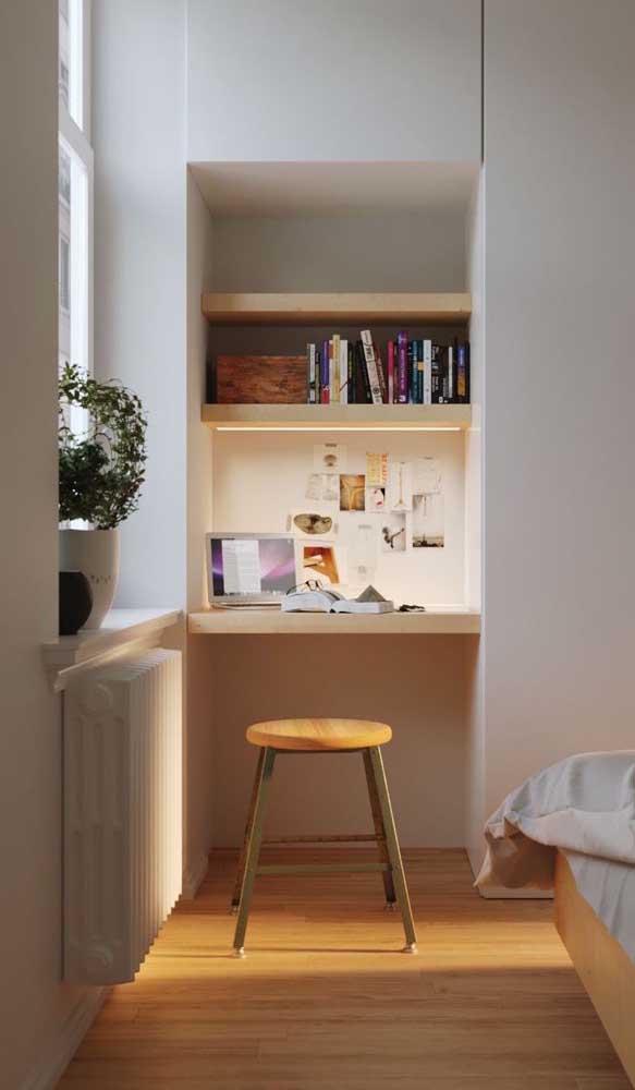 Aquele cantinho sem uso do quarto pode virar um home office com a ajuda de uma escrivaninha suspensa