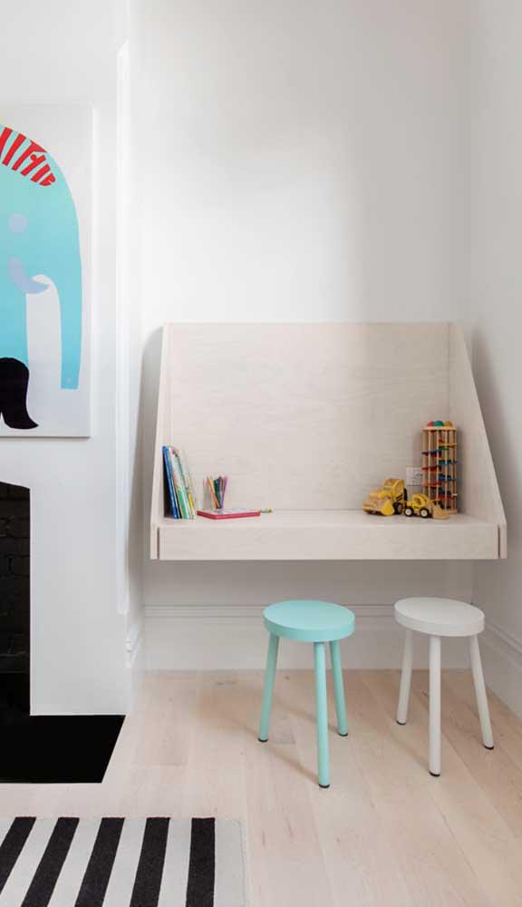 Escrivaninha suspensa para o quarto dos pequenos
