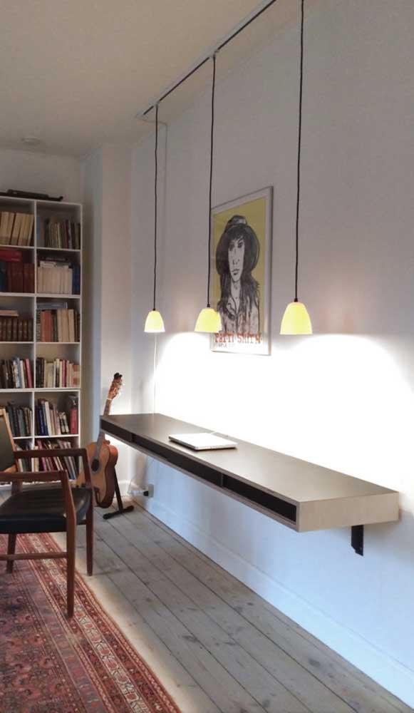 Quer uma escrivaninha suspensa mais moderna e minimalista do que essa?