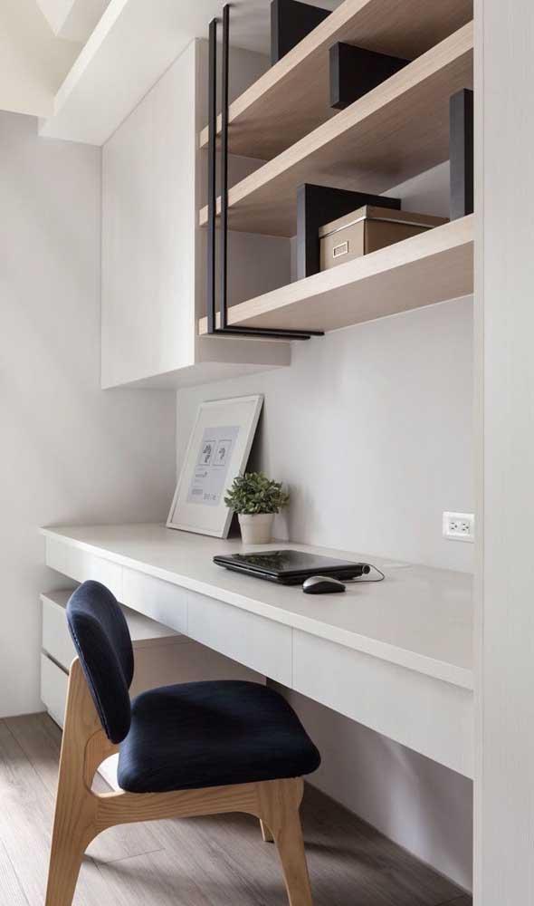 Já aqui é o gaveteiro que acompanha a escrivaninha suspensa planejada