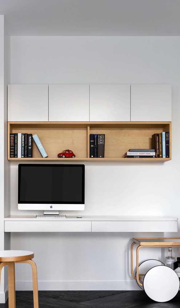 Escrivaninha suspensa branca com painel: espaço para os livros e objetos decorativos